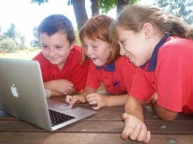 laptops kids reading