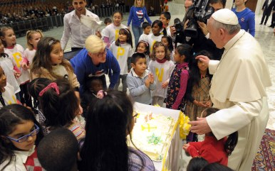 pope-francis-birthday-cake-vtr