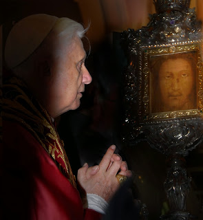 Pope Benedict and the Holy Face Stefano Spaziani
